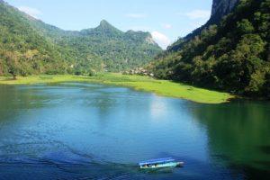 Tour du lịch Hồ Ba Bể thác Bản Giốc hang Pác Bó